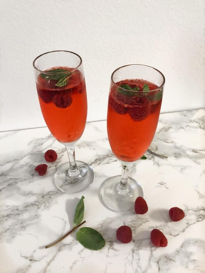 Gazelatini-gazela vinho verde and cranberry apple Smirnoff vodka cocktail