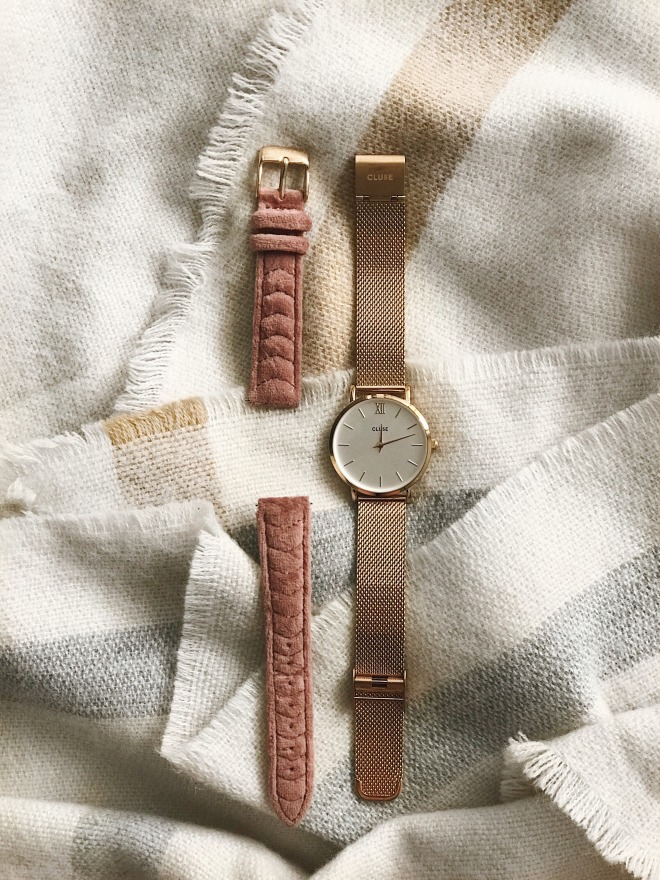 Minuit Mesh Close Watch rose gold and blush pink velvet strap